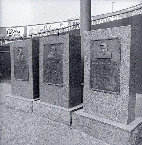 Yankee-Stadium-Monuments.jpg
